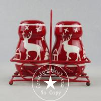China Christmas Ceramic Christmas Reindeer Ceramic Slat N Pepper With Metal Stand Wholesale wholesale